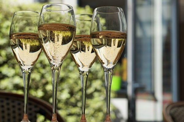 <h3>English wine tasting</h3>