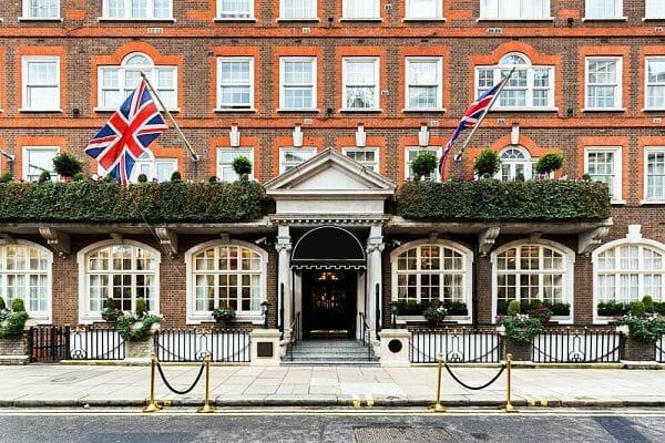 <h3>Midrange to luxury hotels</h3>