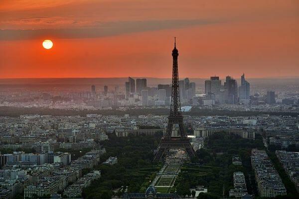 <h3>Day trip to Paris</h3>