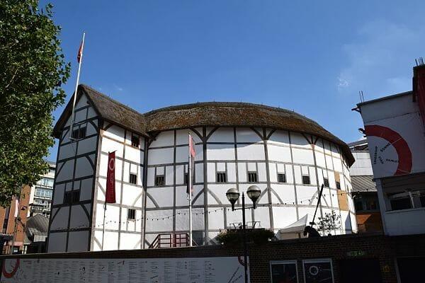 <h3>Shakespeare's Globe Theatre</h3>