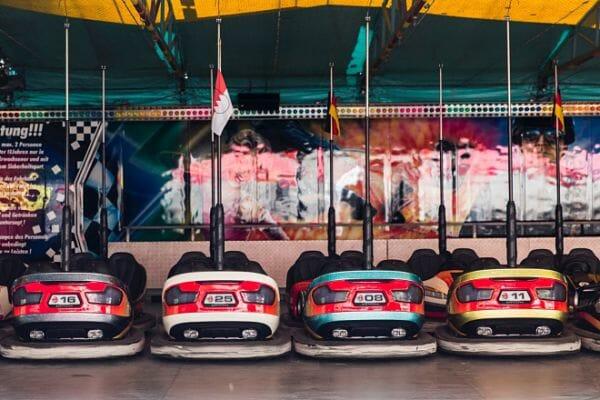 <h3>Fairground rides</h3>